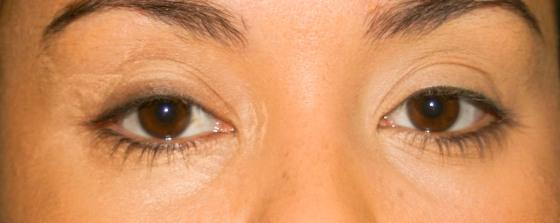 Onde passar o corretivo pastoso nos olhos - MAC - Fê Guedes