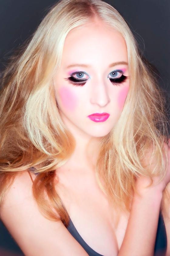 Foto Alê Saraiva - Makeup Fê Guedes - Modelo Daina Stein - Stylist Juli Monteiro