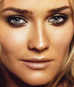 maquiagem bronzeadora tendência verão 2012