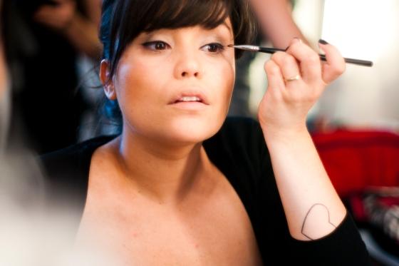 curso de auto-maquiagem by Fê Guedes (photo: Flavita Valsani)